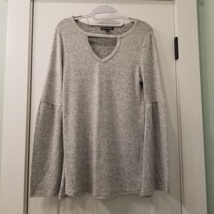 Buttery soft and sexy Alison Andrews Sweater Small